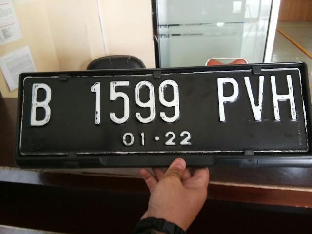 Plat Mobil Mazda B 1599 PVH