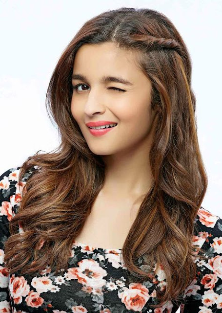 Alia Bhatt Cute Smile Photo