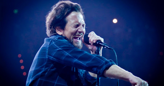 Pearl Jam Rocks Out at Rupp Arena ~ Concert Photos Magazine - Live Music  News Tickets Festivals Tour Info Concert Photography