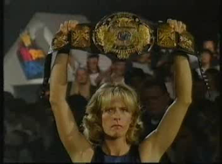 WWF / WWE - IN YOUR HOUSE 8 - BEWARE OF DOG - Diana Smith's husband British Bulldog faced Shawn Michaels for the WWF title