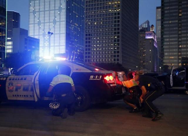 francotirador abre fuego contra policias en dallas