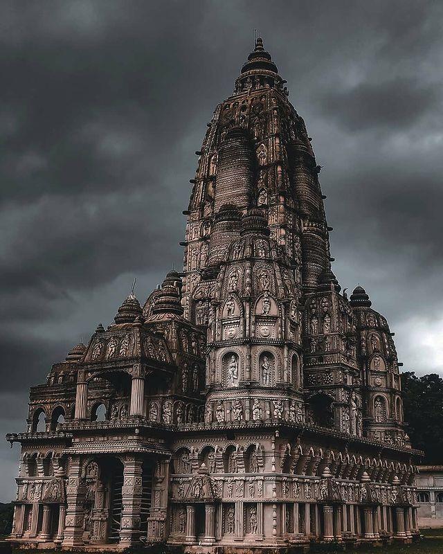 मानव निर्मित छत्तीसगढ़ का सबसे खुबसूरत मंदिर ओना कोना : Onakona Mandir : Chhattisgarh Tourism Places