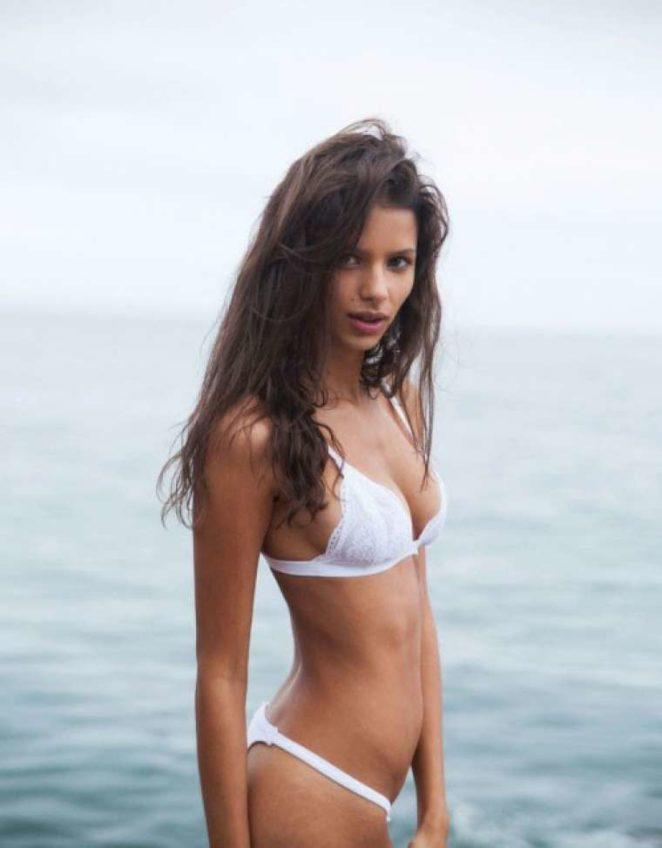 Bruna Lirio Exclusive Bikini Hot Photo Gallery