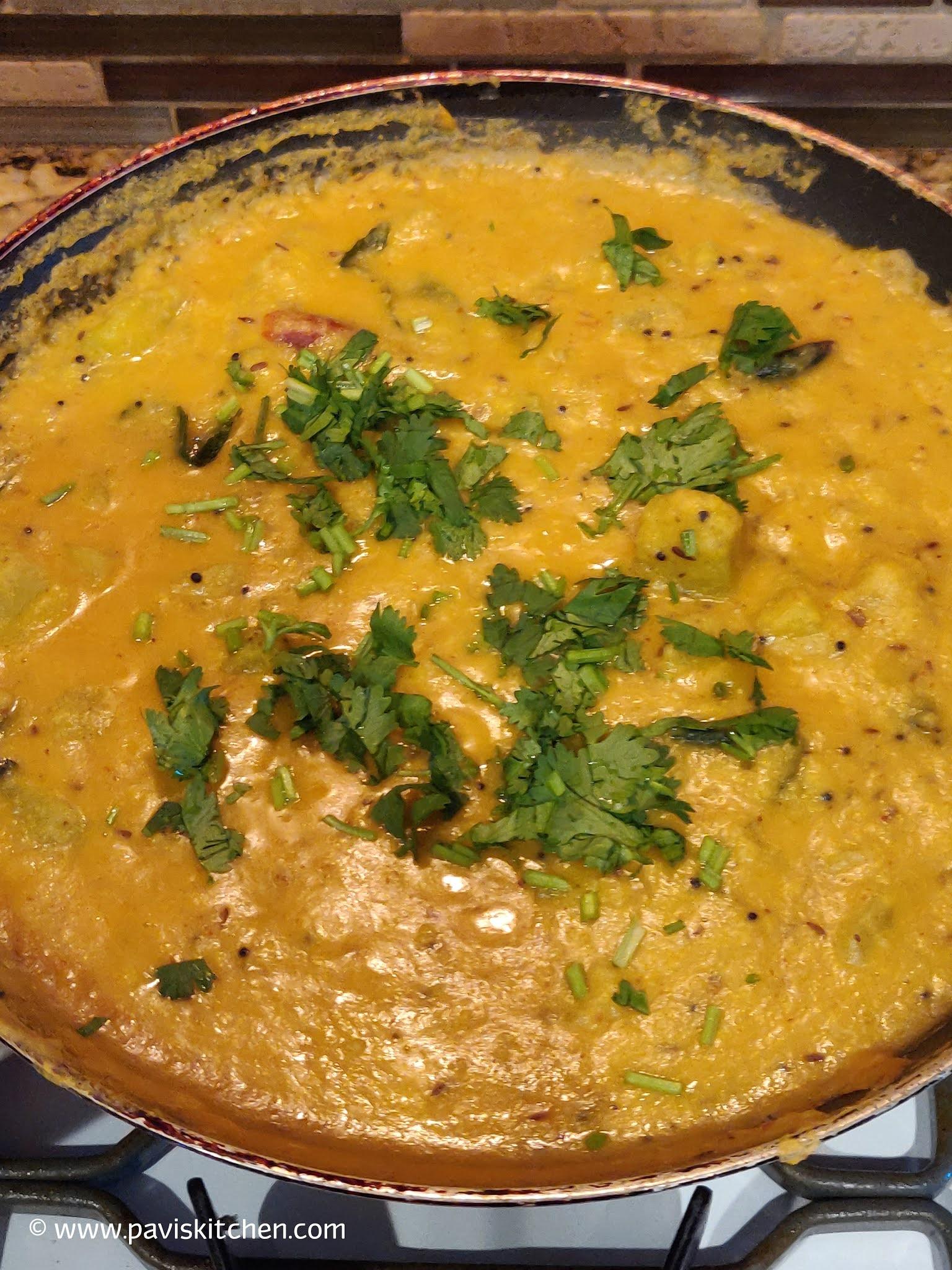 Chow Chow Kootu Recipe | Bangalore Kathrikai Kootu