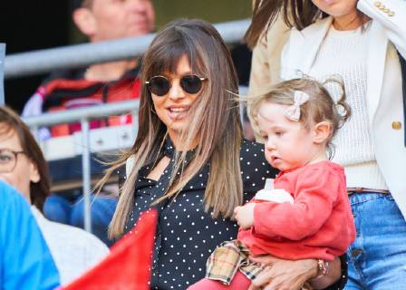 robert lewandowski's wife and daughter