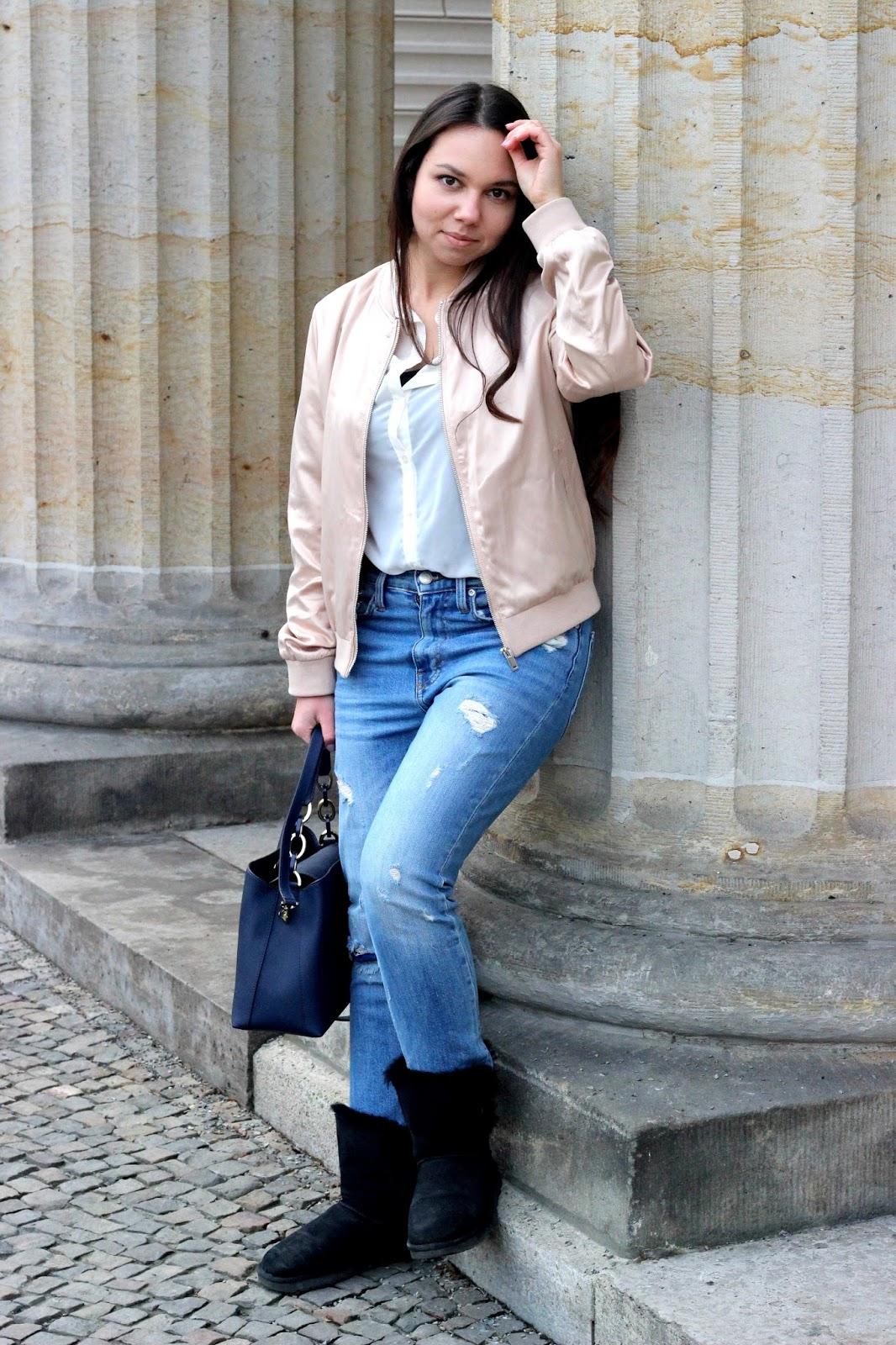 bomberjacke und mom jeans