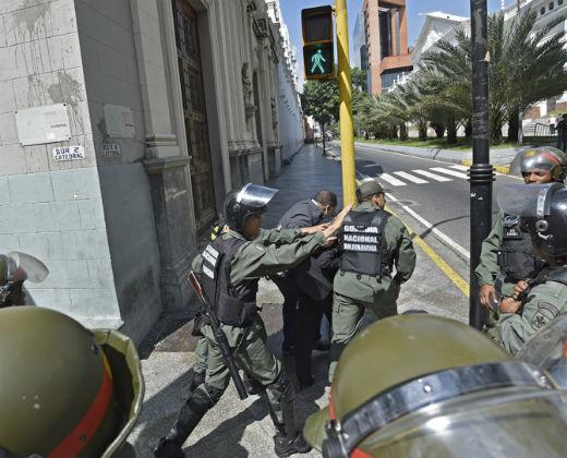 En imágenes: los enfrentamientos que se registraron en la AN