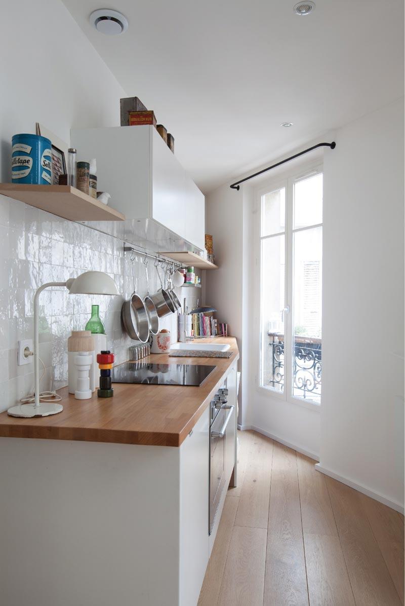 mini cucina dalla forma irregolare
