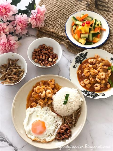 Nasi lemak sambal udang