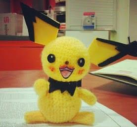 http://len-gumis.blogspot.com.es/2013/01/pichu-oreja-despeinada-pokemon.html