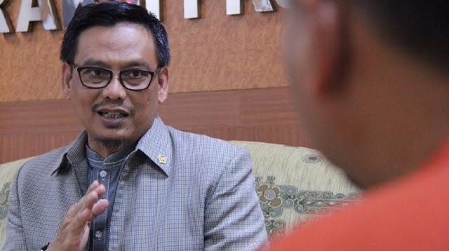 Tak Hanya Buruh, Guru dan Dosen Juga Terancam di RUU Omnibus Law