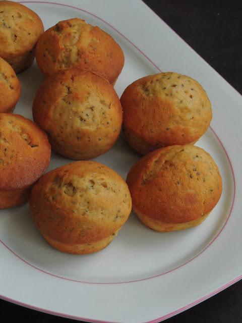 Butterless Chia Seeds & Banana Spelt Muffins