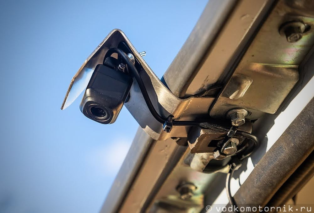 Камера заднего вида на кронштейне ГАЗ Соболь 4х4