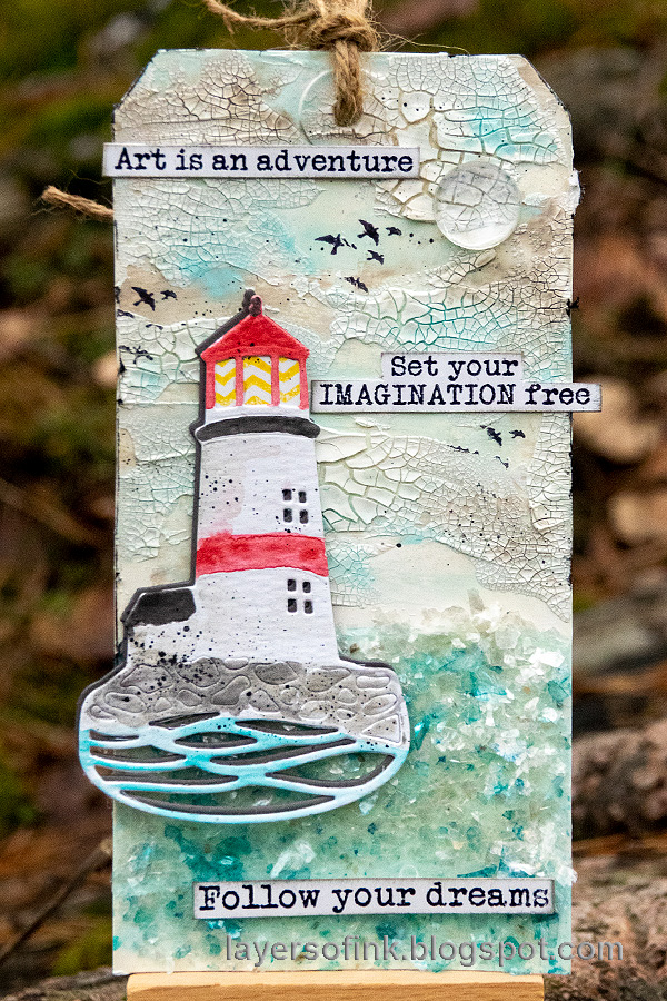 Layers of ink - Lighthouse Tag with crackle paste and mica flakes by Anna-Karin Evaldsson.