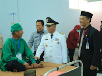 Momen Merdeka, Bupati HSU Tinjauan Operasi Katarak Gratis di RSUD Pambalah Batung