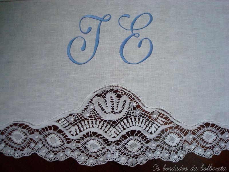 Os Bordados da Bolboreta: Juego de toallas de lino con iniciales ...