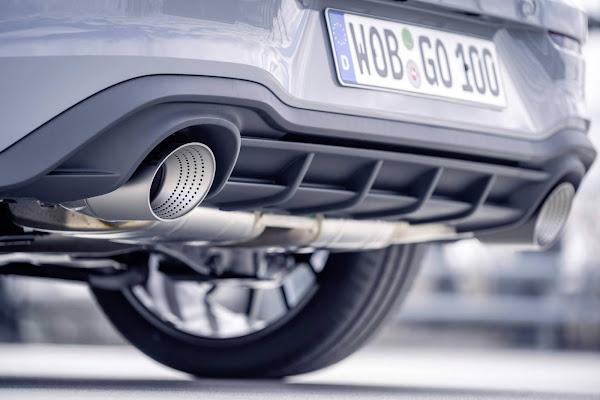 VW Golf GTI Clubsport com 400 cv comemora 45 anos do mito - vídeo