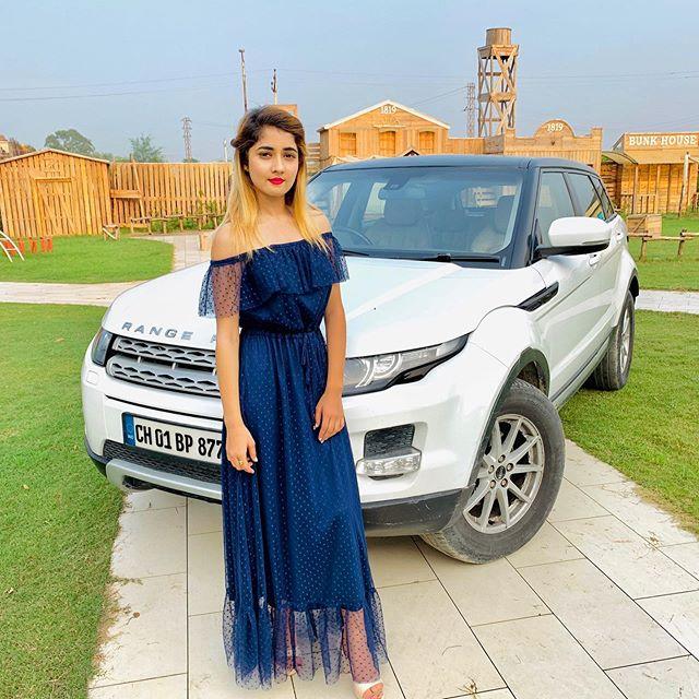 Nisha Bhatt Photos
