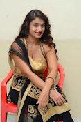 Kiran Chetwani sizzling Photos gallery-thumbnail-10