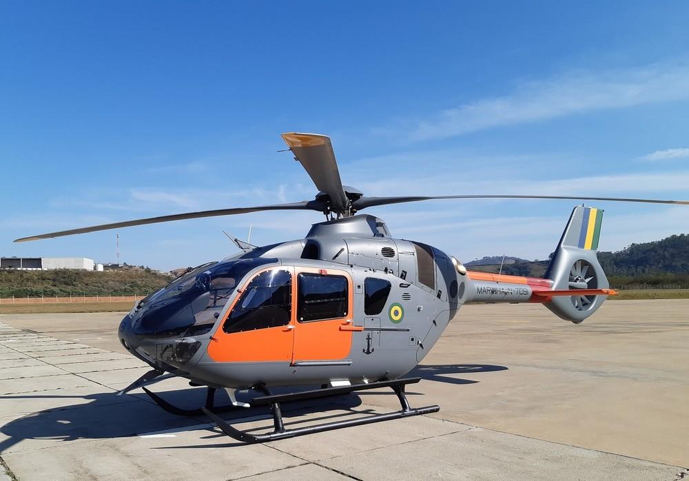 H135 da Marinha é exibido durante a comemoração do 103º aniversário da Aviação Naval | É MAIS QUE VOAR