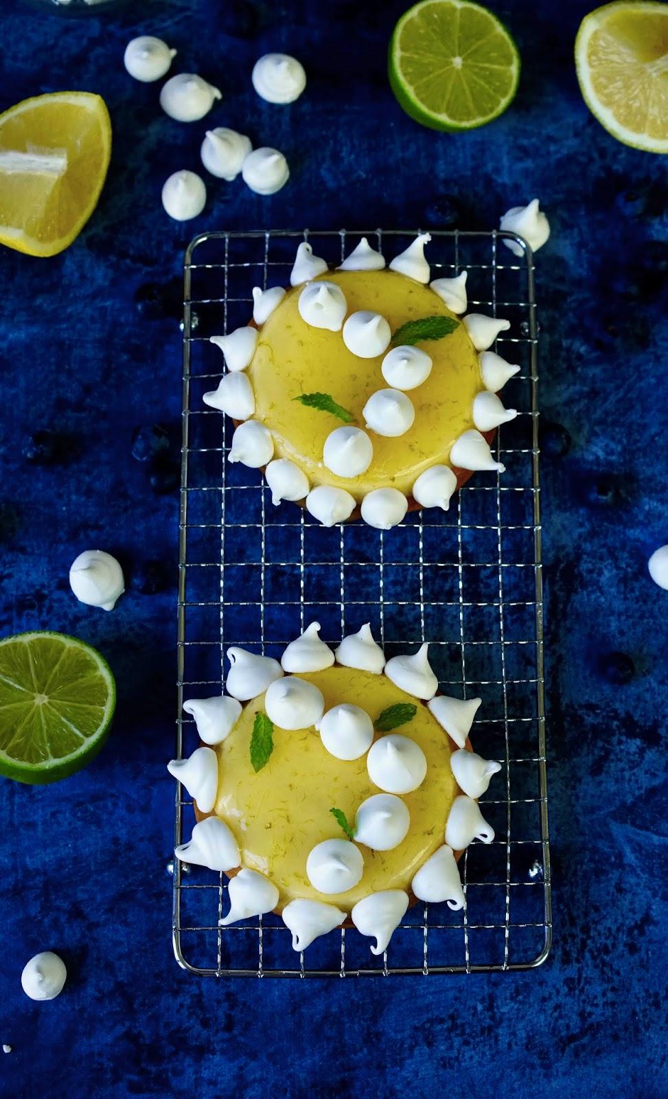 meringue croustillante , crémeux citron , tartelette , dessert festif