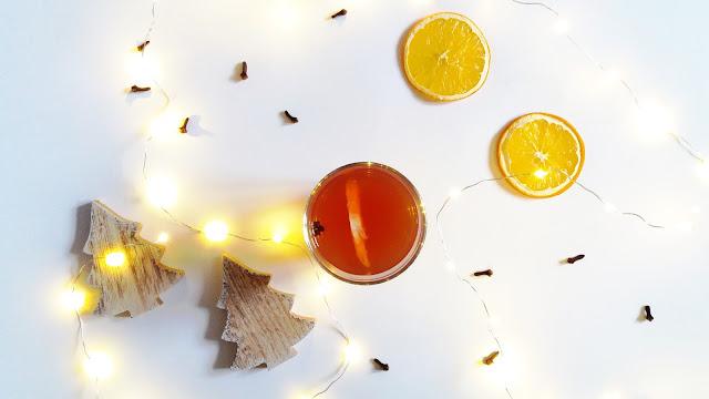 Aromatyczna herbata z dodatkami - Rozgrzewające napoje na zimowe wieczory