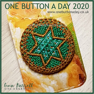 One Button a Day 2020 by Gina Barrett - Day 91 : Estrella