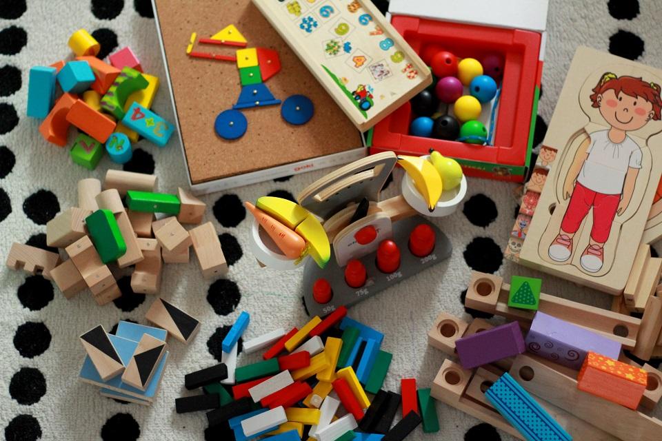 Największy przegląd klocków i zabawek drewnianych