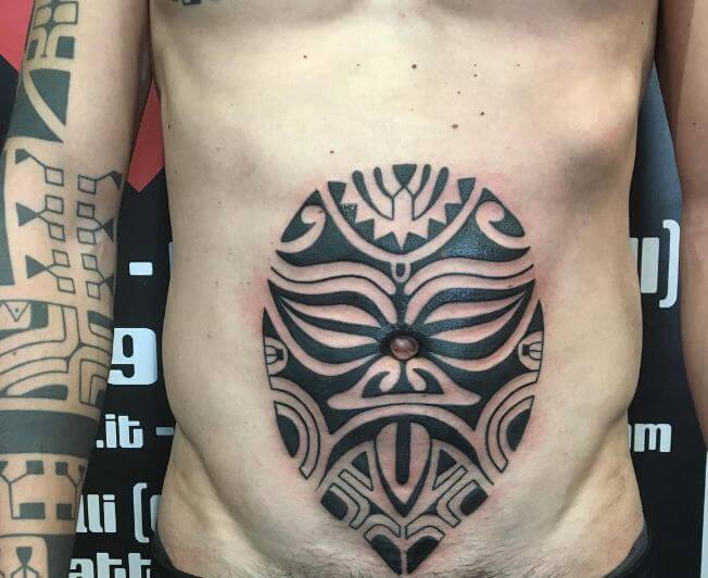 df876e9356366 I know many of you might think of it as a cringe-worthy tattoo but art  knows no limits. Most of you still would love to try this Maori tattoo on  stomach.