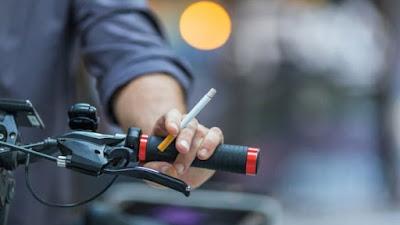 Mensos Usul Harga Rokok Rp 100.000 per Bungkus