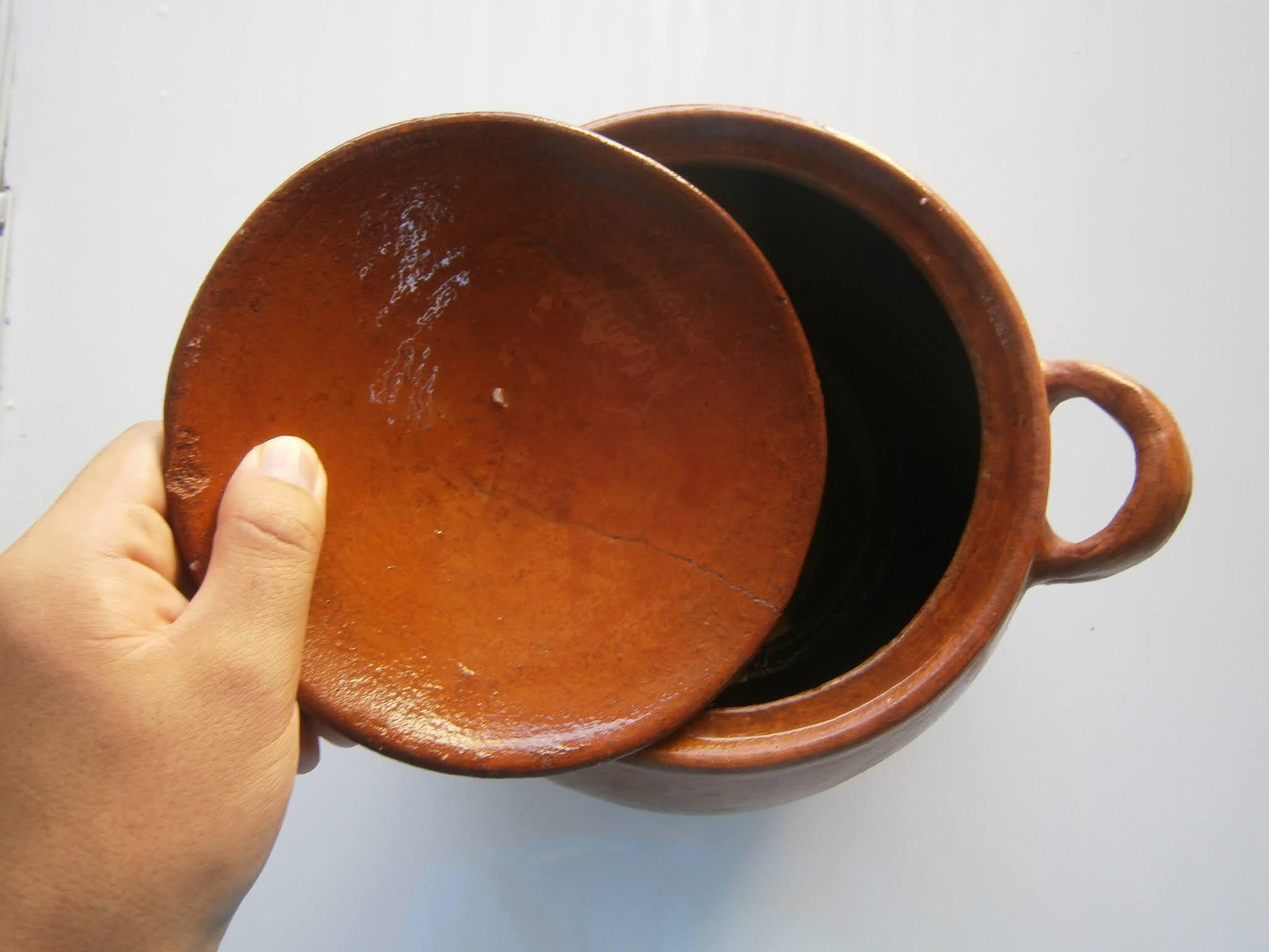 fotografía de Olla de Barro usado en cocina de las ciudades de la sierra en Perú