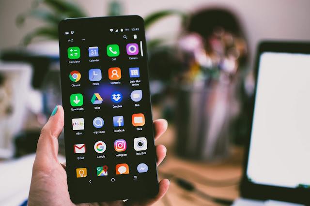 aplikasi bawaan handphone
