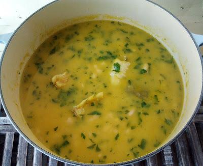 Judias blancas con bacalao alubias legumbre receta plato gastronomia vegetariana pescado guiso