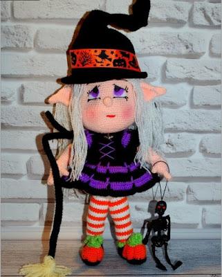 Вязаная ведьмочка амигуруми