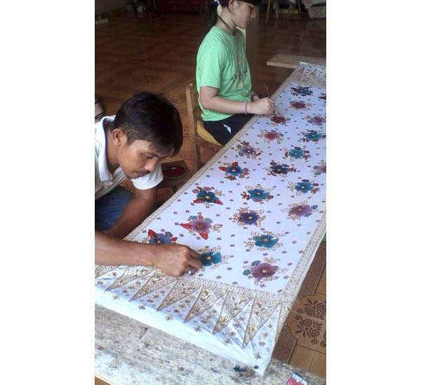 Kursus Pewarnaan Batik