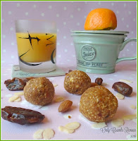 Energy Balls with Dates, Apple & Almonds
