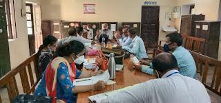 ढोंग रचने वालों से बचिए और परिवर्तन कीजिये तभी होगा शिक्षकों का भला : रमेश सिंह   #NayaSaberaNetwork