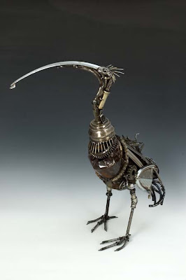 Creatividad y diseño de escultura de animales con material reciclado