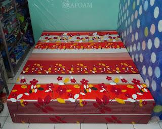 Kasur inoac motif bunga sakura merah maroon