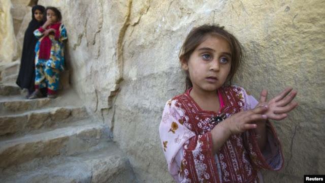 Конец детства: в Иране замуж выдают 10-летних девочек