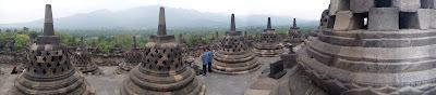 Stupa di Puncak Candi Borobudur