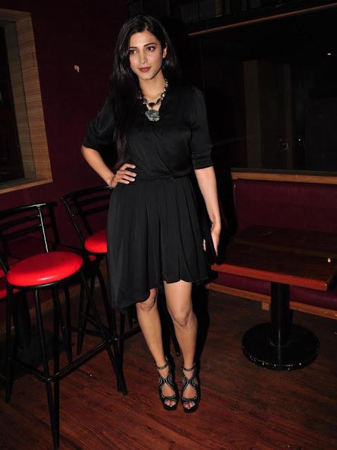 Shruti Haasan Looking Super Hot In Black Dress Photos, hd photos for wallpaper, hot pics of actress