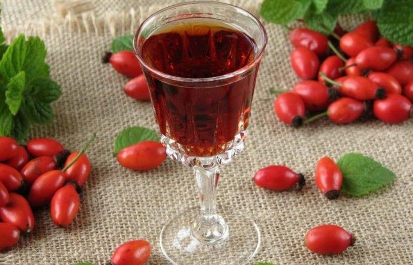 Шиповник на красном вине: витаминная и общеукрепляющая заготовка на зиму