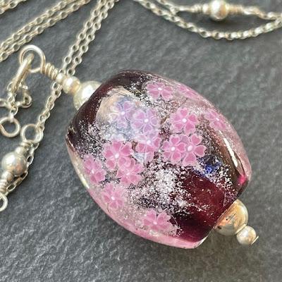 Akihiro Okama Sakura bead
