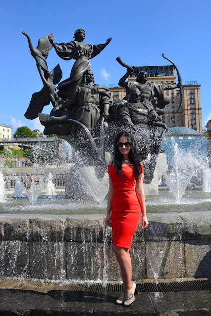 Red dress girl image