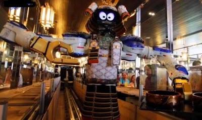 5 robot pelayan menjadi salah satu solusi efektif di tengah pandemi corona