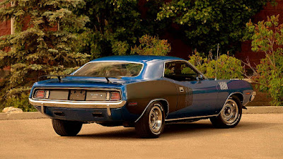 Muscle Sport Coupe Car 1971 Plymouth Barracuda Cuda 440 Rear Right