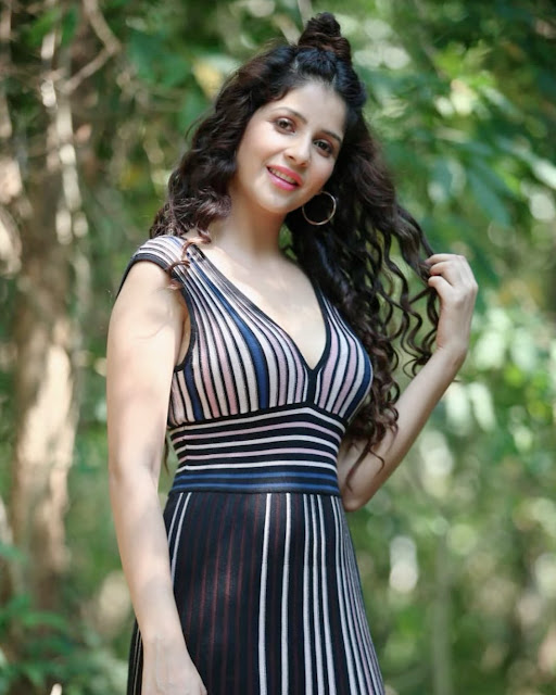 Khashish Vohra (Indian Actress) Wiki, Age, Height, Family, Career, Awards, and Many More