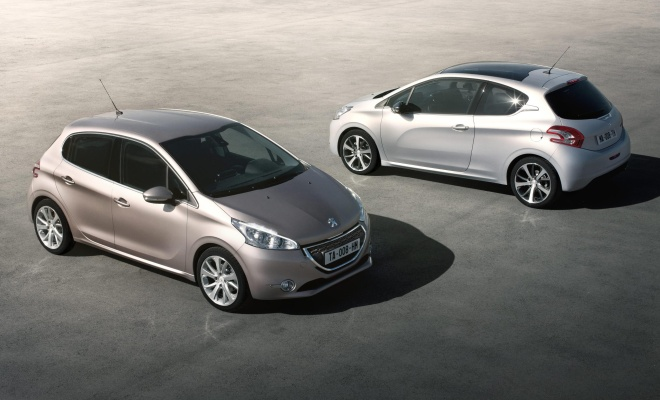 Peugeot 208 in two body styles