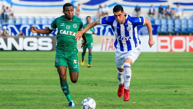 Goiás luta, mas perde para o CSA fora de casa